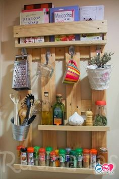 Read more about Pallet DIY Pallet Crafts, Diy Pallet Projects, Pallet Ideas, Diy Crafts, Recycled Pallets, Wooden Pallets, Pallet Wood, Diy Wood, Family Room Furniture