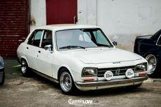 Custom Wheels, Custom Cars, Retro Cars, Vintage Cars, Bmw Classic Cars, Unique Cars, Car Engine, Fiat, Old Cars