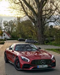 Daimler's mega brand Maybach was under Mercedes-Benz cars division until when the production stopped due to poor sales volumes. Mercedes-AMG became a Mercedes Benz Amg, Carros Mercedes Benz, 4 Door Sports Cars, Sport Cars, Carros Audi, Mercedes Wallpaper, Gt R, Volkswagen Karmann Ghia, Bmw Autos
