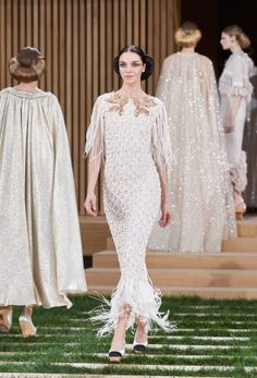 Chanel-Spring-2016-Haute-Couture-Runway70
