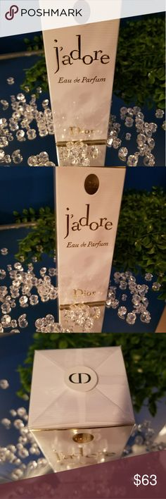 Dior J'adore eau de parfum J'adore Eau de Parfum is the ideal bouquet. Essence of Ylang-Ylang from the Comoros unfurls its floral-fruity notes and instills a soft exotic touch. Damascus Rose, sophisticated and exuberant, then comes to warm the senses. Last but not least, a duo of Jasmines echo one another in a perfect embrace. Jasmine Grandiflorum from Grasse, the quintessence of a noble floral, exudes its delicate sensuality, tinged with fruit and sun and works in harmony with the more…