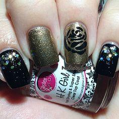 Instagram photo by nailsbyjoha #nail #nails #nailart Rose Nails, Flower Nails, Nail Tips, Nail Ideas, Beauty Nails, Pretty Nails, Nail Designs, Nail Polish, Nail Art