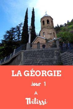 Première journée d'un voyage de 10 jours en Géorgie : prise de contact avec Tbilissi, la capitale. Georgia, Voyage Europe, Destinations, Armenia, Movie Posters, Travel, Blog, 10 Days, Family Travel