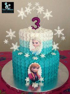 Deliciosa tarta para celebración de cumpleaños Frozen. #Frozen #tarta