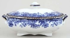 Royal Doulton Melrose Vegetable Dish with Cover Blue And White China, Love Blue, Blue Swallow, China Garden, Royal Garden, White Dishes, Royal Doulton, Wedgwood, Vintage China