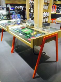 Central Department Store - Power Buy - Technology - Tables - Visual Merchandising - Layout - Landscape - www.clearretailgroup.eu