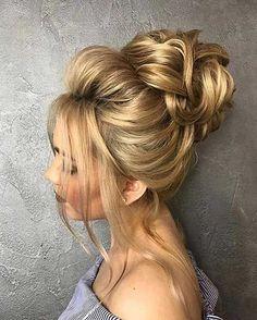NavegaçãoVariações do coque com topete:Como fazer o penteadoFazendo o topeteToda mulher gosta de ter um cabelo bem arrumado e bonito, estando arrumada para qualquer ocasião e, claro, sentindo-se bonita. É pensando nisso que hoje vou ensinar um penteado versátil, o coque com topete, que serve para noivas, debutantes, pra festas, etc. Fisicamente falando, uma da …