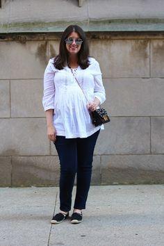 white tunic and black jeans White Tunic, Girl Blog, Gold Coast, Maternity Fashion, Eyewear, Style Me, Autumn Fashion, Black Jeans, Ruffle Blouse