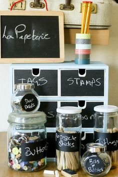 labels from chalkboard vinyl rolls & white paint marker- labeled pantry staples Chalkboard Paint Projects, Chalkboard Vinyl, Blackboard Chalk, I Heart Organizing, Organization Hacks, Bedroom Organisation, Organization Station, Organizing Ideas, Space Crafts