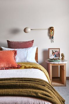 fall-inspired bedroom