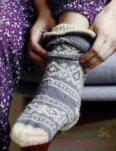вязаные носки Knitting Socks, Knitting Needles, Blue Wool, Knitting Designs, Leg Warmers, Fingerless Gloves, Scandinavian, Free Pattern, Knits