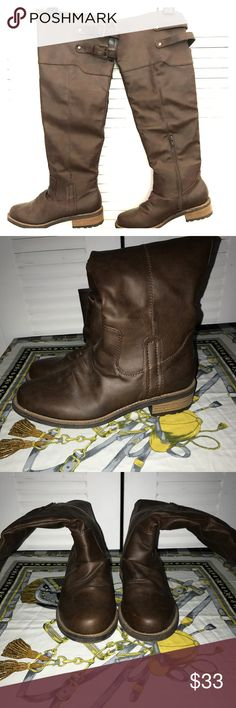 OVER THE KNEE BROWN BOOTS These over the knee brown boots in good condition are great for the fall! Shoes Over the Knee Boots