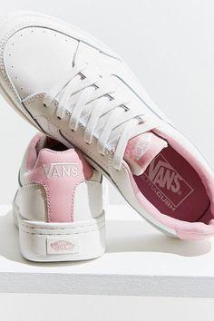 new product eb6eb d2258 Vans Highland Sneaker   Urban Outfitters Söta Skor, Converse, Vans Sneakers,  Balenciaga,