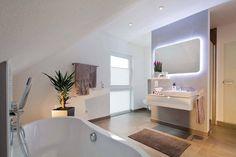 Modernistyczna łazienka od FingerHaus GmbH
