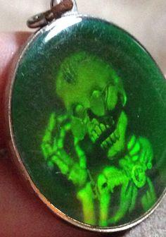 RARE Goosebumps Pendant Charm Keychain Medallion Skeleton Collectible Glowing