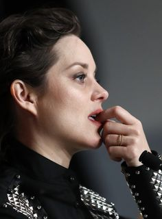 Marion Cotillard Photos Photos: 'It's Only the End of the World (Juste La Fin Du Monde)' Press Conference - The Annual Cannes Film Festival Most Beautiful Women, Beautiful People, Marion Cottillard, French Actress, Character Modeling, End Of The World, Cannes Film Festival, Southern France, Hollywood