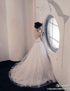 https://flic.kr/p/BG3yeM | Trouwjurken | Bekijk onze ruime collectie trouwjurken. De meeste en mooiste betaalbare trouwjurken bij de Grootste Bruidszaak van Nederland! | www.popo-shoes.nl