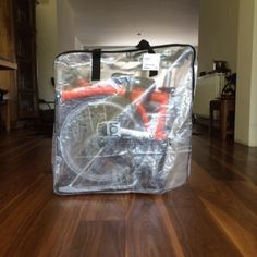 Did you know the Brompton foldable bike fits perfectly into a DIMPA storage bag? See the Brompton in an IKEA bag Velo Brompton, Bicicleta Brompton, Bike Storage Home, Bag Storage, Garage Apartment Floor Plans, Garage Apartments, Bike Friday, Push Bikes, Bicycles