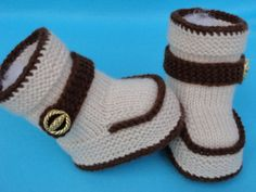 Knit Baby Dress, Knit Baby Booties, Knit Boots, Booties Crochet, Crochet Baby Shoes, Crochet Bebe, Crochet Socks, Crochet For Boys, Knitting Socks