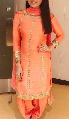 Shop salwar suits online for ladies from BIBA, W & more. Explore a range of anarkali, punjabi suits for party or for work. Punjabi Suits Designer Boutique, Punjabi Suit Boutique, Boutique Suits, Indian Designer Suits, Designer Salwar Suits, Indian Suits, Designer Sarees, Patiala Suit Designs, Patiala Salwar Suits