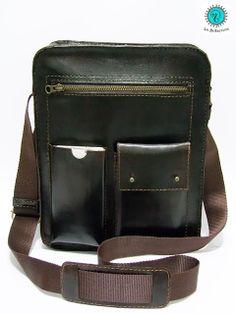 Bandolera de cuero hecha a mano. Handcrafted leather messenger bag. #cuero #leather