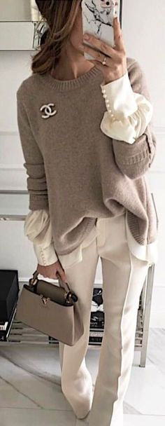 Outfits: 50 Classy Spring Outfits To Inspire You Gray Chanel sweater and white dress pants holding gray leather handbag.Gray Chanel sweater and white dress pants holding gray leather handbag. Mode Outfits, Fashion Outfits, Womens Fashion, Dress Fashion, Fashion Clothes, Fashion Belts, Fashion Accessories, Fashion Tips, Fashion Trends 2018