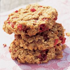Learn how to make Cranberry Oatmeal Cookies. MyRecipes has tested recipes and videos to help you be a better cook. Cookie Desserts, Just Desserts, Cookie Recipes, Delicious Desserts, Yummy Food, Fall Desserts, Vegan Desserts, Cranberry Recipes, Fall Recipes