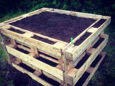 Build a raised bed yourself! In less than 2 hours. # raised garden beds A ho . Build a raised bed yourself! In less than 2 hours. # raised garden beds Build a raised bed yourself Herb Garden Pallet, Pallets Garden, Diy Garden, Building Raised Garden Beds, Raised Beds, Design Jardin, Garden Design, Potager Palettes, Garden Types