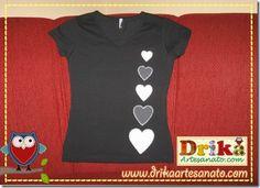 Camiseta com casal de gatinhos e corações em patch aplique | Drika Artesanato - O seu Blog de Artesanato.