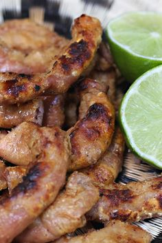 Chunchullo www.antojandoando.com Colombian Cuisine, Colombian Recipes, Good Food, Yummy Food, Mexican Food Recipes, Ethnic Recipes, Puerto Rican Recipes, Cooking Recipes, Healthy Recipes