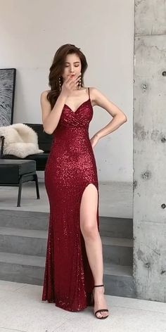 Pretty Prom Dresses, Stunning Dresses, Elegant Dresses, Dinner Outfit Classy, Classy Dress, Sexy Outfits, Long Tight Dresses, Photo Instagram, The Dress
