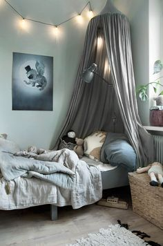 25 Easy Ways to Design and Decorate a Kids' Room - Home and Gardens Awesome Bedrooms, Cool Rooms, Baby Bedroom, Kids Bedroom, Room Kids, Whimsical Bedroom, Old Room, Little Girl Rooms, Kid Spaces
