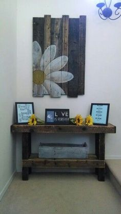 OK, words can not express how much I LOVE this - Pallet decor: