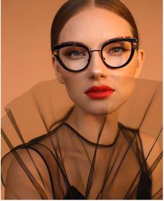 Bold and Elegant. Glasses Frames Trendy, Glasses For Your Face Shape, Fashion Eye Glasses, Wearing Glasses, 2020 Fashion Trends, Face Framing, Womens Glasses, Eyeglasses For Women, Moda Femenina