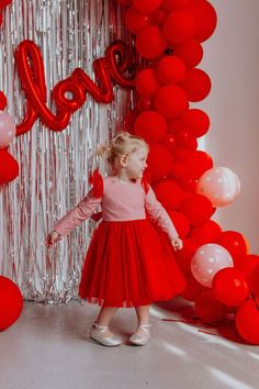 Amazing Valentine Theme Party Decoration Ideas - Valentine's birthday by its very nature naturally fits be a remarkable festival. Hold onto the day and make your extraordinary Birthday Valentine feel. Valentine Mini Session, Valentine Picture, Valentines Day Pictures, Valentines Day Dresses, Valentines Photo Booth, Valentine Backdrop, Valentine Theme, Valentines Day Party, Valentines Day Decorations