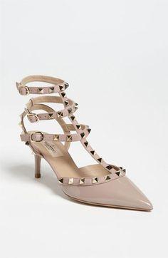 Valentino 'Rockstud' Pump- dream shoes to pair with your Sapphire Saffiano Everpurse. Stilettos, Women's Pumps, Nude Pumps, Valentino Rockstud Pumps, Valentino Shoes, Rockstud Shoes, Dr Shoes, Me Too Shoes, Zapatos Shoes