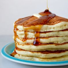 Up your breakfast game with our top-rated recipe for Light and Fluffy Buttermilk Pancakes! #pancakes #breakfast #video #recipe Vegan Pancake Recipes, Best Pancake Recipe, Baking Recipes, Breakfast Dishes, Breakfast Recipes, Pancake Breakfast, Brunch Recipes, Pancakes Recipe Video, Homemade Buttermilk Pancakes