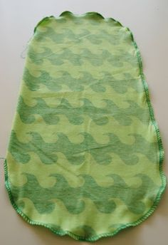 FargeBarn: Hvordan sy en lue. Pot Holders, Baby Gifts, Diy And Crafts, Barn, Sewing, Crafting, Gift Ideas, Children, Young Children