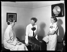 Amelia Earhart chats with two unidentified TWU Pioneers during her 1936 visit to Denton TX. Photo courtesy of the Portal to Texas History. Amelia Earhart Found, Denton Texas, Loving Texas, Texas History, My Heritage, Photo Archive, Back In The Day, Historical Photos, Vintage Photos