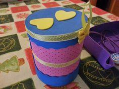 Un pot decorat amb gomaeva