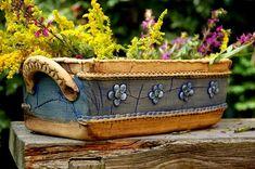 truhlík - venkovský-na objednávku!!! / Zboží prodejce lavender | Fler.cz Raku Pottery, Pottery Mugs, Pottery Art, Ceramic Birds, Ceramic Planters, Slab Ceramics, Clay Wall Art, Ceramics Projects, Ceramics Ideas