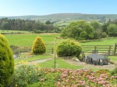 BUTTERCUP COTTAGE, near Whitby, scenic walks, off road parking and a shared garden in Castleton Ref 16250 - TripAdvisor