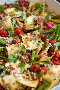 Tomato Recipes Ravioli with Tomatoes Asparagus Garlic and Herbs - Cooking Classy - Easy Asparagus Recipes, Asparagus Dishes, Lemon Chicken With Asparagus, Baked Asparagus, Chicken Asparagus, Pasta Recipes, Dinner Recipes, Cooking Recipes, Healthy Recipes