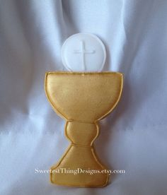 Hey, I found this really awesome Etsy listing at https://www.etsy.com/listing/166798428/12-chalice-cookies-first-communion-favor