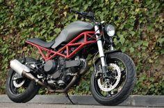 Ducati 695 by Cafe Racer Dreams. Esencia de Monster.