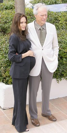 """Pregnant with twins Angie with Clint Eastwood at the """"Changeling"""" photocall ~ 2008 Angelina Jolie Pregnant, Brad And Angelina, Stylish Maternity, Maternity Fashion, Maternity Style, Office Fashion, Work Fashion, Pregnant Celebrities, Clint Eastwood"""