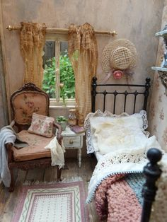 Chambre de Séraphine - Amazing work from Sylvia de Groot on her blog Lotjesdollhouse