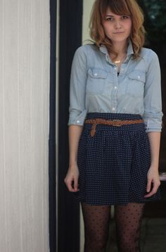chambray shirt / skirt / leather belt / textured tights / casual / simple