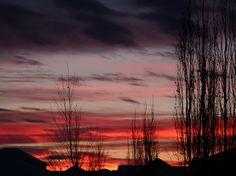Okotoks, Alberta at sunset Victoria Erickson, Weather Network, Sunrises, Mother Nature, Twilight, Northern Lights, Cities, Scenery, Canada