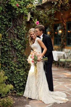 Romantic+Tuscan+Inspired+Wedding+Portraits+|+Pepper+Nix+Photography+|+See+More!+http://heyweddinglady.com/classic-vintage-blush-and-ivory-wedding-from-pepper-nix-photography/